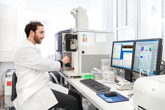 Mit Hilfe der FACS® (Fluorescence Activated Cell Sorting)-Analyse kann z.B. eine große Anzahl von Fettvorläuferzellen gemessen oder analysiert werden. © Till Budde/DIfE