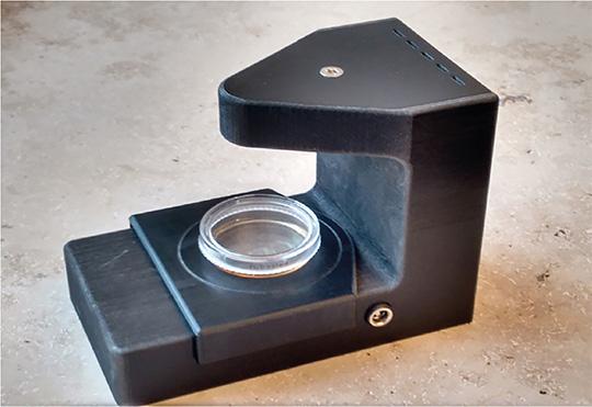 Das holografische Mikroskop ermöglicht ein automatisches, dreidimensionales Tracking der Immunzellen in Echtzeit. (© Fraunhofer EMB)