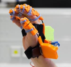 Entwicklungshilfe 4.0: Ein Reha-Handschuh aus dem 3D-Drucker