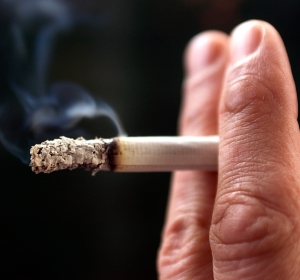 Strukturierte Tabakentwöhnung sollte für alle Raucher erstattet werden