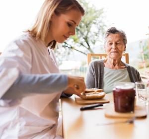 Multimodale Therapiekonzepte bei Osteosarkopenie schließen Ernährungsinterventionen ein