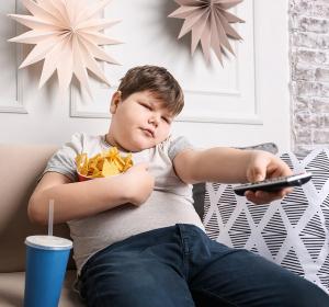 Studien zeigen: Werbung steigert Kalorienaufnahme bei Kindern