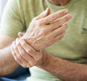 Rheumatoide Arthritis: Studie zu Kombinationstherapie Immunblocker + TNF-Blocker