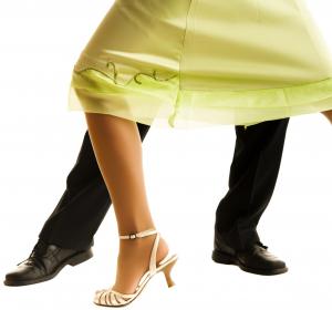 Sprunggelenkverletzungen bei Tänzern: Verletzungsmuster und Therapie