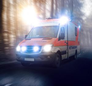 Pflegeheim: Zu häufig mit dem Rettungswagen ins Krankenhaus