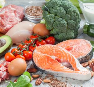 Rheuma: Salzarme Ernährung empfohlen