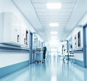 Verdrängen Corona-Patienten andere Krankenhauspatienten?