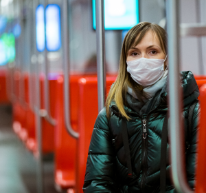 Bayern liefert 800.000 Schutzmasken an Kliniken aus
