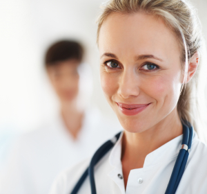 Ärztliches und pflegerisches Personal häufiger auf Infektion testen