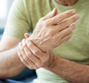 Rheumatoide Arthritis: Gute Wirksamkeit von Tofacitinib in der Mono- und Kombinationstherapie