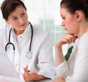 Patientenbefragungen digitalisieren: Mit PROM und PREM zu höherer Behandlungsqualität
