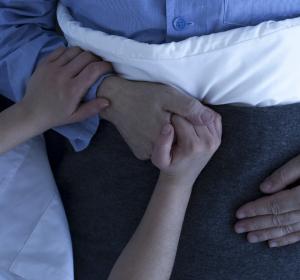 Sterbehilfe-Gesetz in Spanien verabschiedet – Klage angekündigt