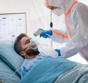 Hospitalisierte COVID-19-Patienten unter Low-Flow-Sauerstoffgabe: Niedrigere Mortalität unter Remdesivir