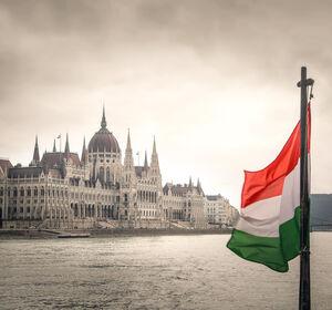 Scholz: Ungarisches Gesetz zu Homo- und Transsexualität inakzeptabel
