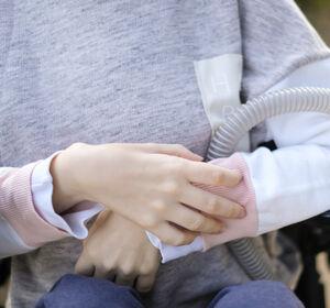 SMA: Onasemnogen-Abeparvovec verhindert schwere Symptome
