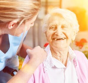 Pflegebevollmächtigter: 24-Stunden-Betreuung muss Megathema werden