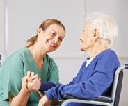 Patientenschützer: Für viele lohnt sich schon 2016 Pflegeantrag