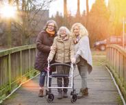 Bewegungsdrang von Demenzpatienten nicht einengen