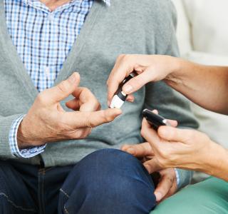 Steigende Zahl älterer Menschen mit Diabetes Typ 1 und Typ 2