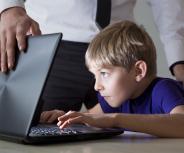 """Kinderärzte: Eltern verharmlosen das """"Smartphone-Problem"""""""