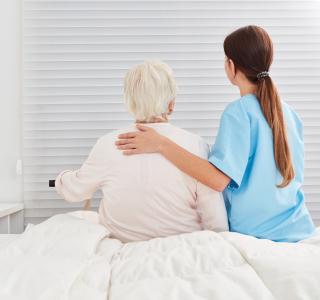 Corona und die Pflege: Was Angehörige jetzt wissen müssen