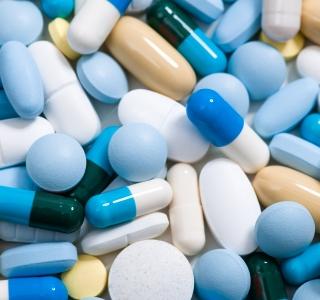 Jeder dritte Bayer über 60 Jahre erhält mindestens fünf verordnete Medikamente