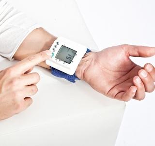 Diabetiker sollten regelmäßig ihren Puls messen